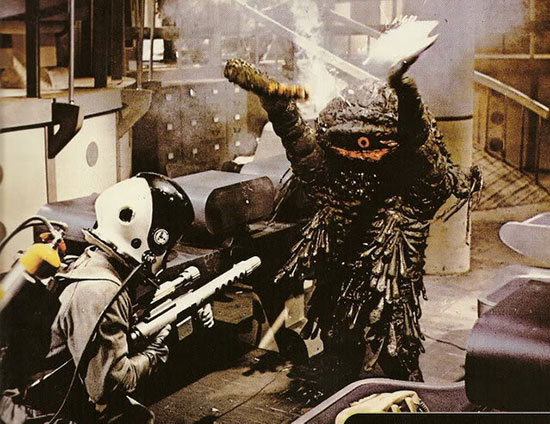 The-Green-Slime-1968-movie-Kinji-Fukasaku-9